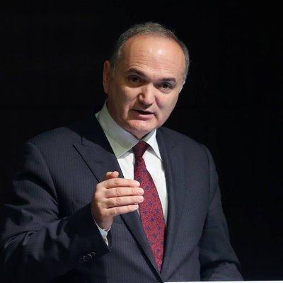 Dr. Faruk ÖZLÜ